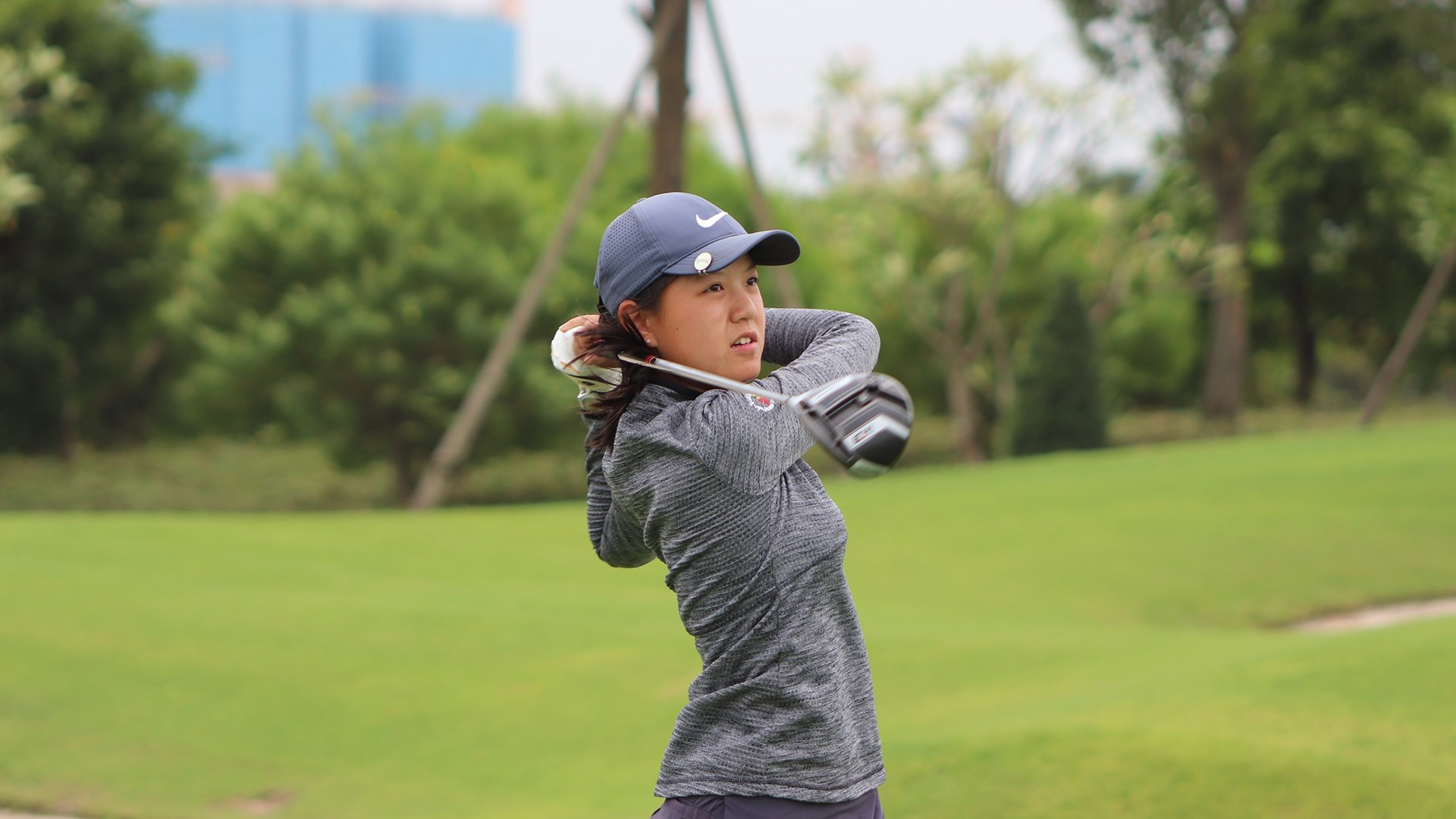Tina Kong swinging in the windy start of The Southern Junior in round one