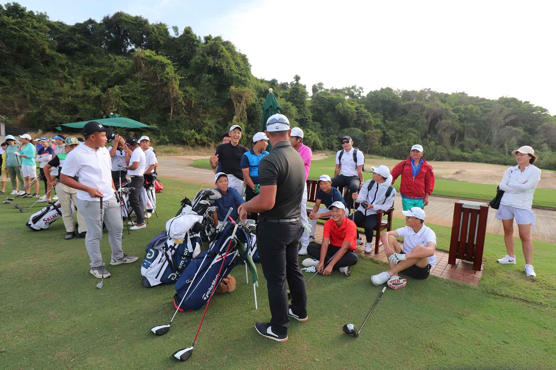 Long Drive contest at The Bluffs Ho Tram Strip