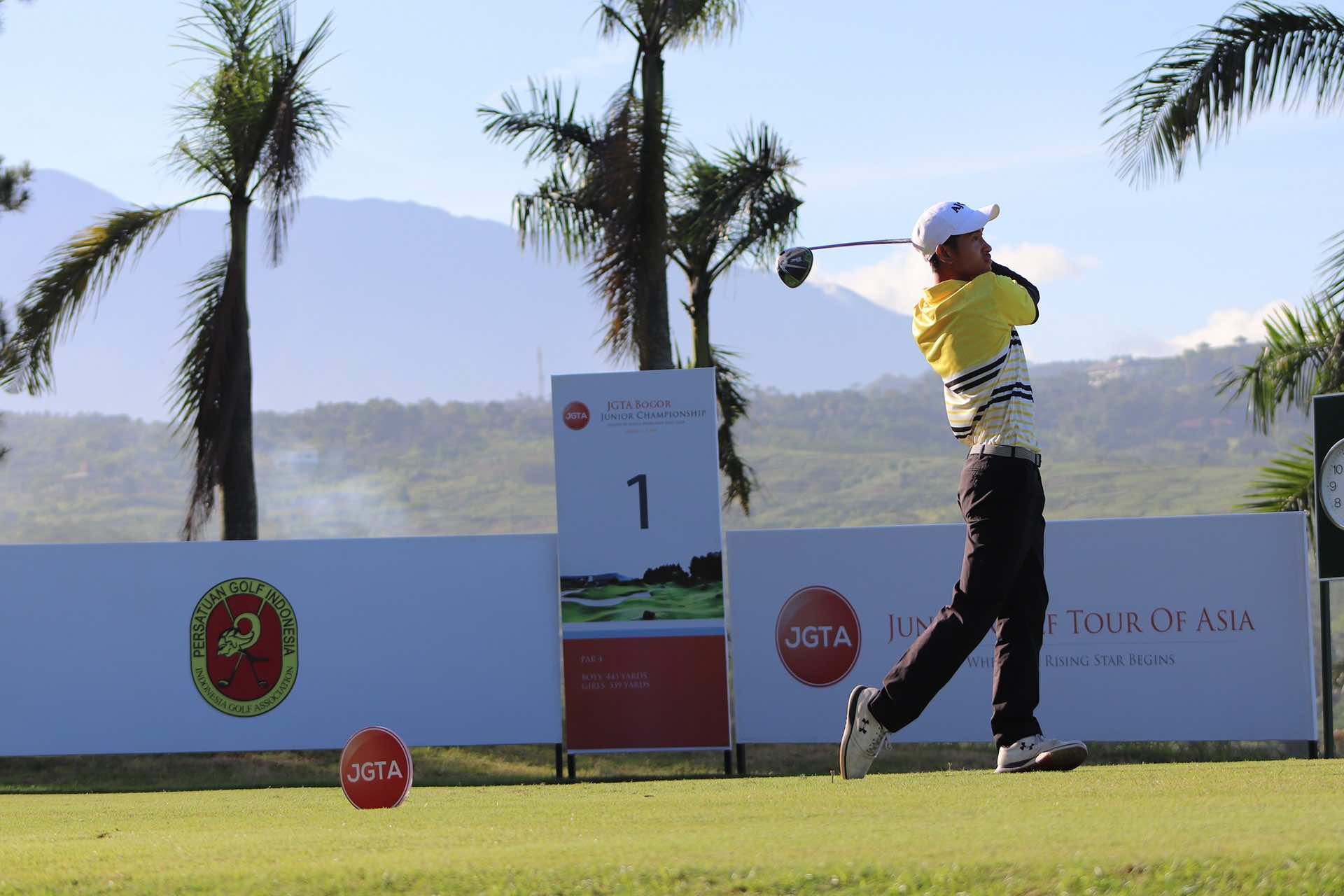 Gabriel Hansel Hari First Team Junior All-Asia first tee swing at the 2019 Bogor Junior Championship
