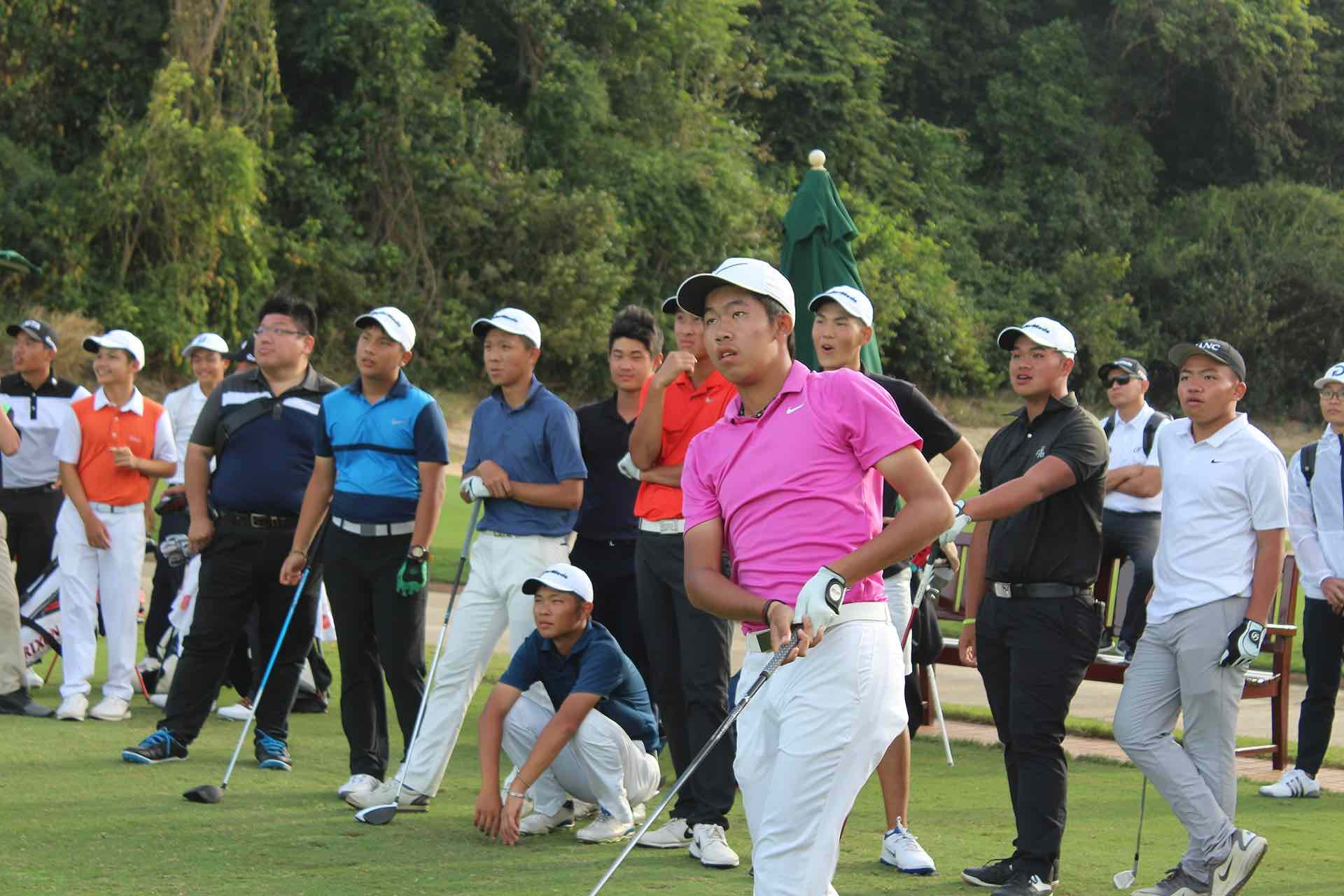 Jui-Tung Wu, First Team Junior All-Asia, swinging in the Long Drive Contest at The Bluffs