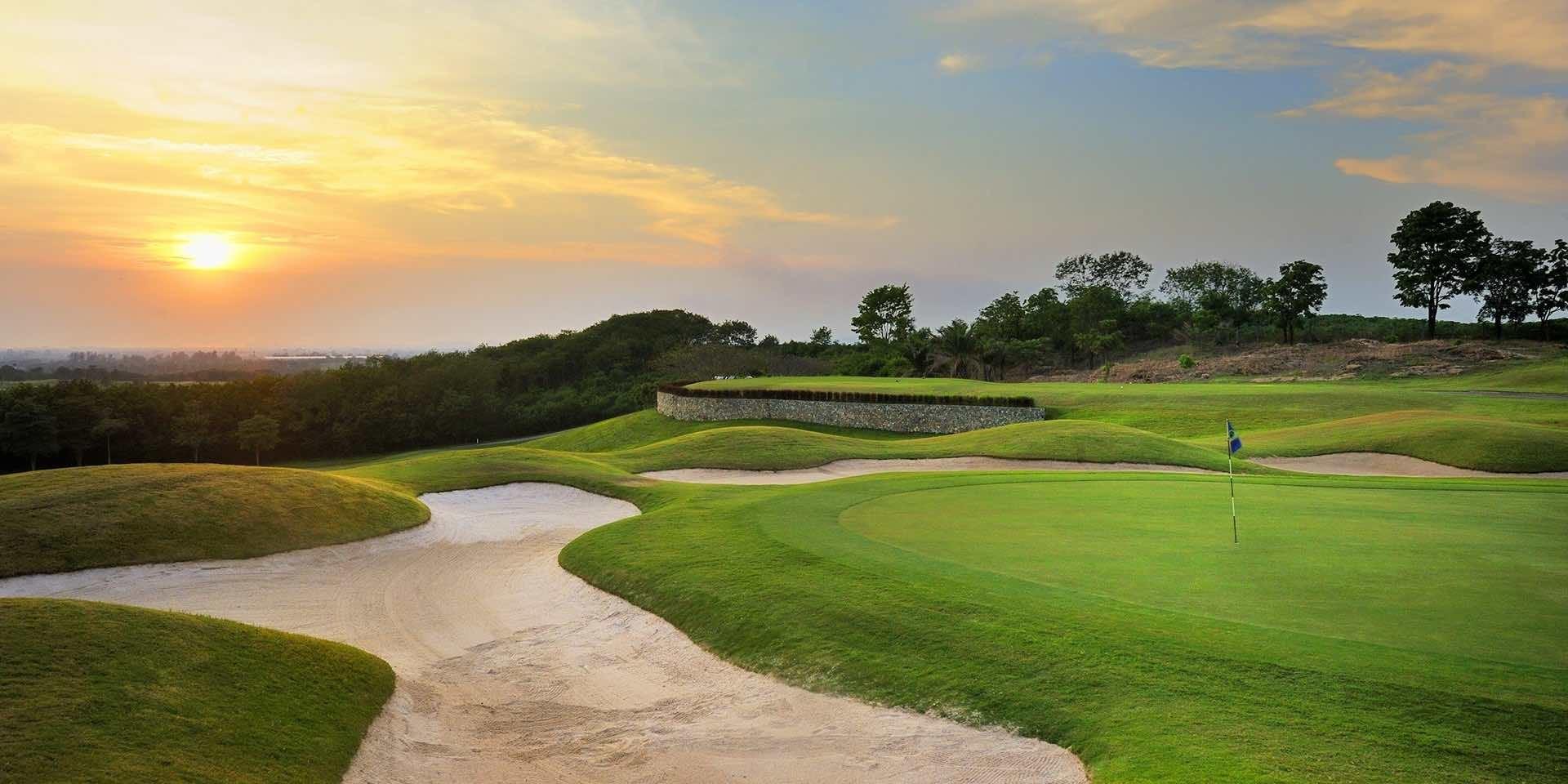 Burapha Golf & Resort Green View while sun sets in Pattaya