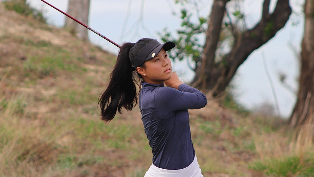 Stanford University commit Yu Wen Lu swinging at the JGTA Junior Aspirations at The Bluffs